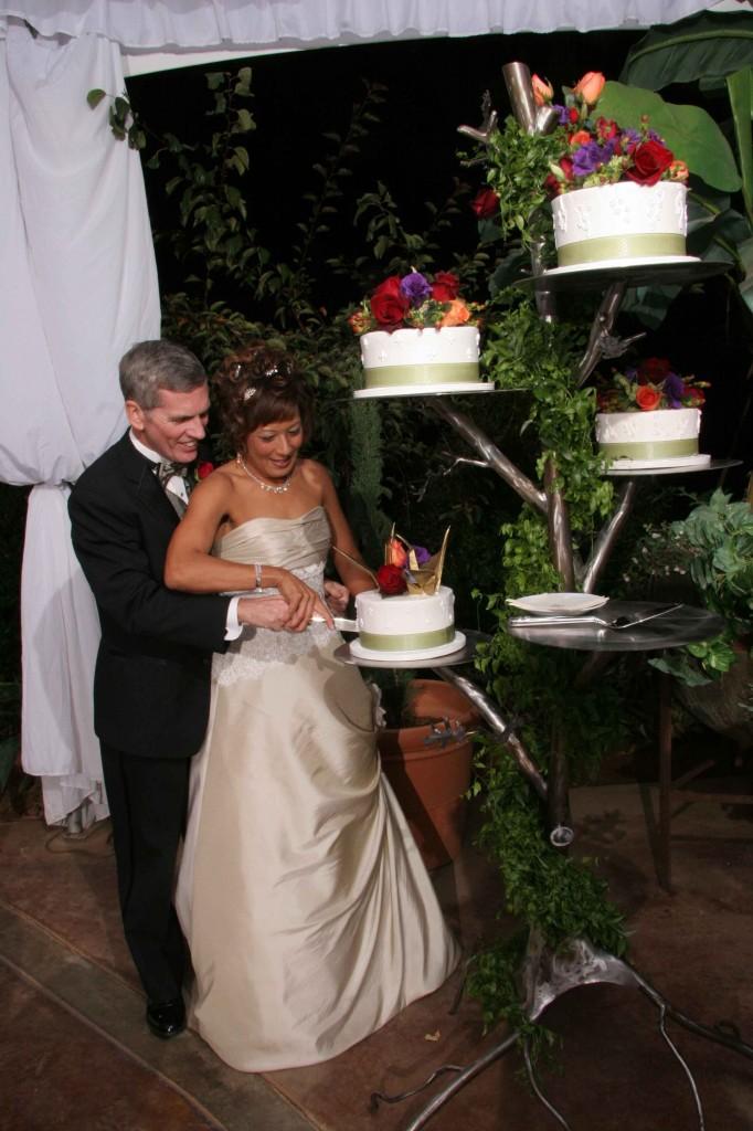 Cake stand tree